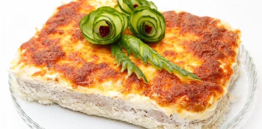 Сочный капустный пирог с мясом.