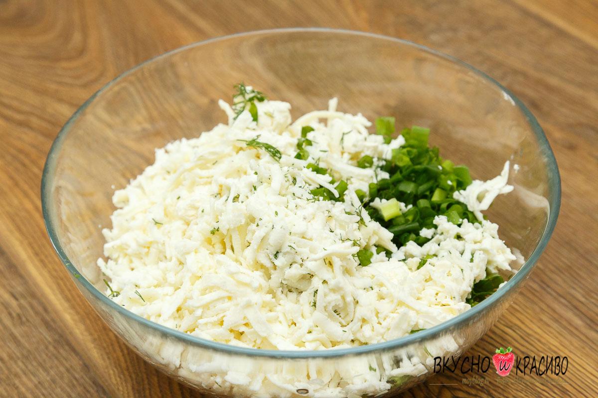 Чебуреки с брынзой и зеленью рецепт