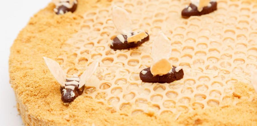 Торт пчёлка или мокрый медовик