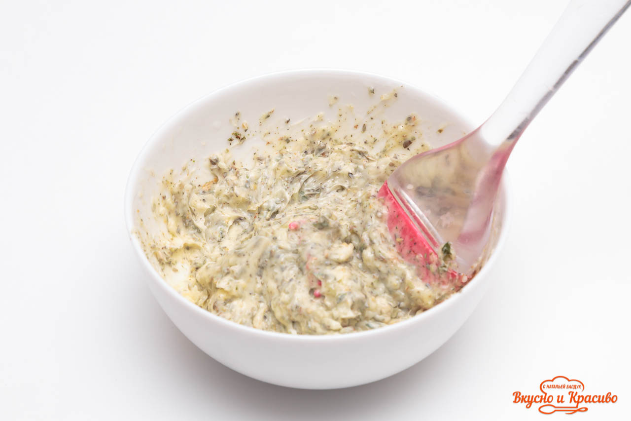 bread-with-herbs-11