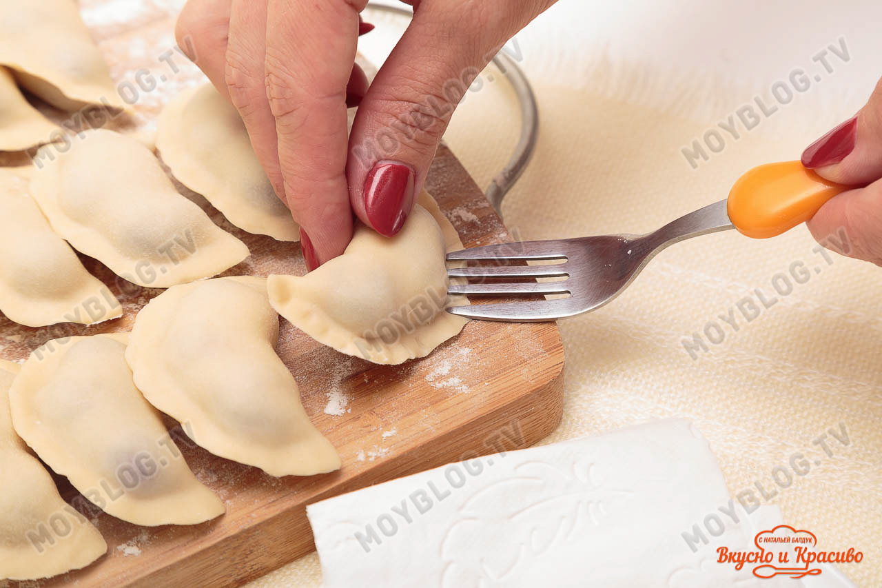 Тесто для пельменей рецепт классический пошагово на воде с яйцами