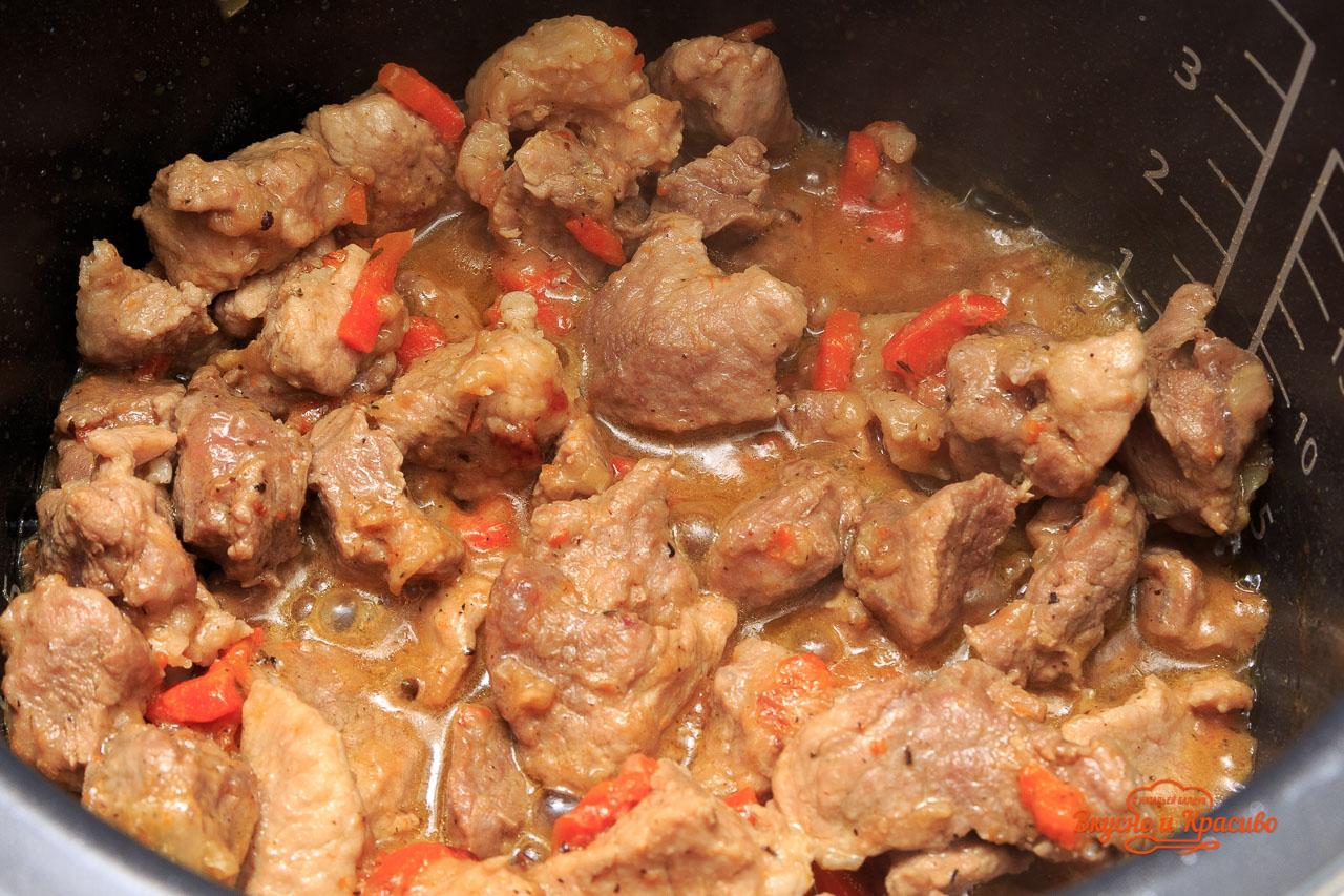 Жаркое из говядины в мультиварке - пошаговый рецепт 21