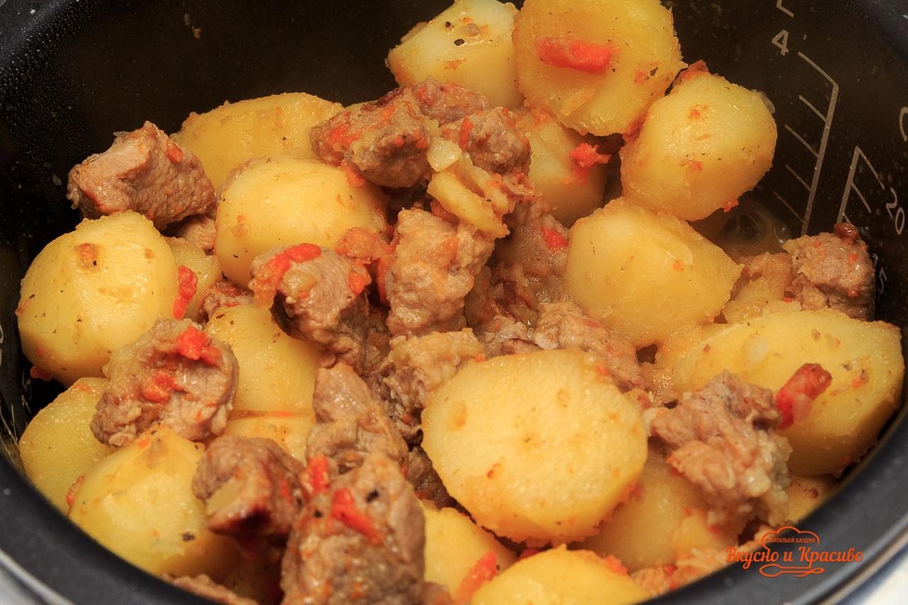 Жаркое из говядины в мультиварке - пошаговый рецепт 17